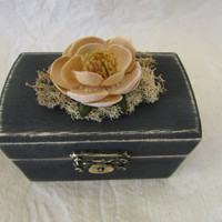 Rustic Dark Gray Boho Vintage Victorian Style Wedding Ringbearer Pillow Box withTan Flower and Moss