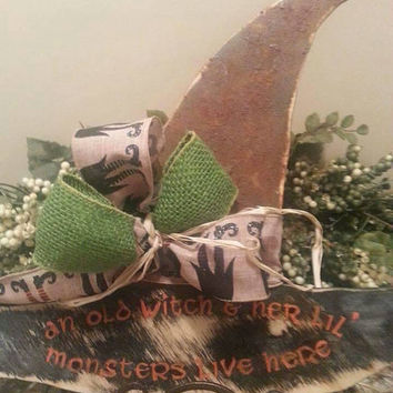 Handmade Wood Grungy witchs hat, Primitive Fall Decor
