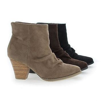 Lylee01 Brown By Wild Diva, Almond Toe Slouchy Slip On Stacked Heel Ankle Booties