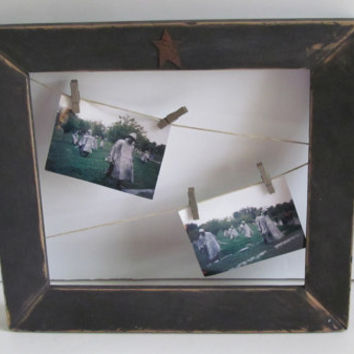 Wonderful Rustic Primitive Gift  Distressed Frame with Rusty Star and Clothesline for Family Holiday Pictures