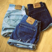 All Sizes Custom Order :  1 x  Vintage High Waisted LEVIS cuffed cut off Oversized Slouch Boyfriend denim jean shorts