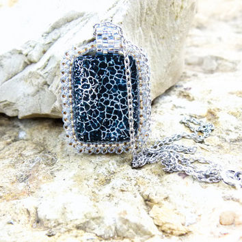 Minimalist chic fashion Black agate stone pendant by CallOfEarth