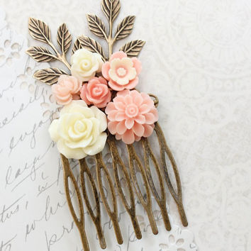 Pink Bridal Hair Comb Floral Collage Comb Cream Rose Peach Pink Wedding Chysanthemum Branch Hair Comb Bridesmaids Gift Romantic Country Chic
