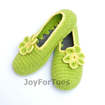 Crocheted house slippers Crochet Slippers Daisy Custom Order Flower Slippers for the home Woman