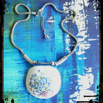 Handmade broken china Forget-me-nots blue flowers necklace
