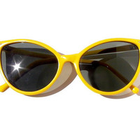 Cat Eye Sunglasses Yellow High Fashion Vintage 50s by sunnyspex