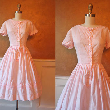 1950s Dress - Vintage 50s Dress - Pink Embroidered Cotton Garden Party Sundress XS S - Pinky Pie