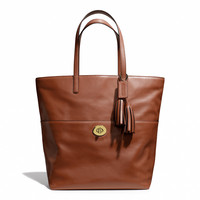 legacy turnlock tote in leather