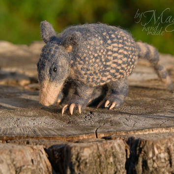 MADE TO ORDER Needle felted armadillo, felt animal, wool toy, gift, needle felt creature, toy animal, exotic, felted creatures, felting