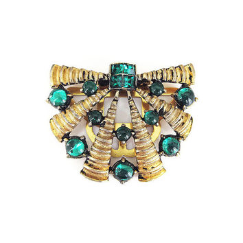 Art Deco Dress Clip, Scarf Clip, Emerald Green, Glass Cabochons, Gold Tone, Ribbed Wavy, Art Deco Jewelry, Vintage Jewelry