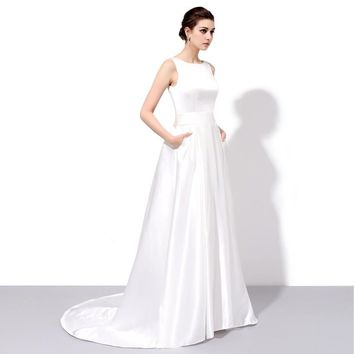 Bride Banquet Elegant Long Evening Dress Simple White Satin Backless Sleeveless Sweep Train Party Prom Gown
