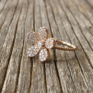 Blooming Flower Diamond Ring, Flower Diamond Engagement Ring, Flower shaped Ring, Diamond Ring, Yellow Gold Diamond Ring, 18k gold ring,