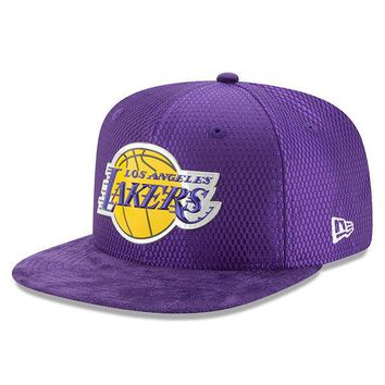 New Era 9FIFTY NBA 2017 On Court Los Angeles Lakers Basketball Snapback Hat