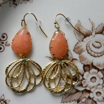 Natural Polished Stone CORAL Earrings PEACH Color TeArDrOp Hammered Gold FiLiGrEe Multi Loop