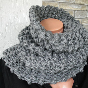 Outlander Inspried  Claire Fraser Cowl    Womens Circle Scarf   Knit  Cowl  Silver Gray  Chunky Cowl   winter Fall Fashion Accessories