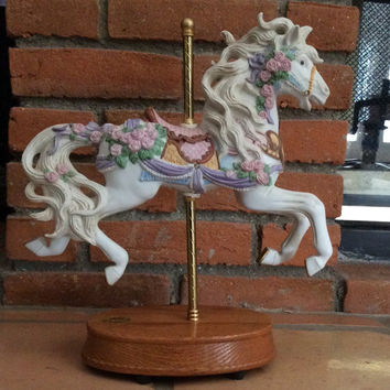 14 inches (35.56 cm) TALL Carousel Horse Music Box by Westland Big Horse Collection . Limited edition! Plays Carousel Waltz.