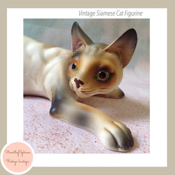 Vintage Ceramic Siamese Cat Figurine / Collectible Made in Japan / Cat Lover Gift / Cat Sculpture / Vintage Cat / Cat Decor