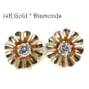 14K Gold .10 Ct Diamond Earrings - Vintage Flower Blossom Pierce 91b55a6d8546