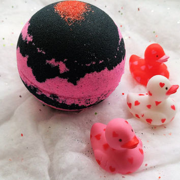 1 Ducky Love / Bath Bomb / Surprise Bath Bomb / Black Bath Bomb / Pink Bath Bomb / Toy Bath Bomb / Duck / Gift For Her / Bath and Body / Spa