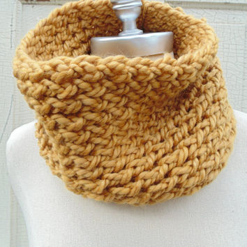 Mustard Cowl Scarf, Knit Infinity Scarf Gold, Mustard, Dark Yellow, Goldenrod, Amber Loop Scarf, Mobius Circle Scarf, Fall Colors