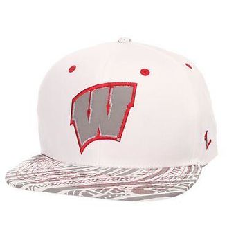 Licensed Wisconsin Badgers Official NCAA Lahaina Adjustable Hat Cap by Zephyr 319376 KO_19_1