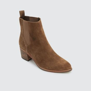 Colbey Chelsea Boots