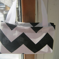 American Girl Party Favors, 10 black and white chevron purses for 18 inch dolls