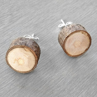 Wood Slice Stud Earrings  Hardwood Faux Plug Fake por OneUrbanTribe