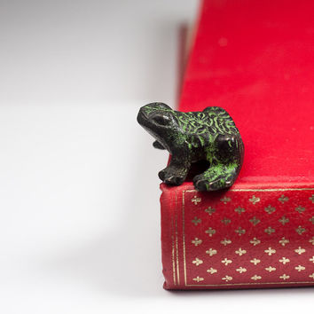 Brass Frog Figurine: Tiny Metal Green Frog, Feng Shui, Vintage Small Animal Figurine, Animal Statue, Christmas Gift Idea
