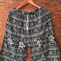 Large Unisex shorts Boho Hippie with elephants printed for Beach Summer Clothing Aztec Ethnic Styles Hipster men fashion Gift him In Black