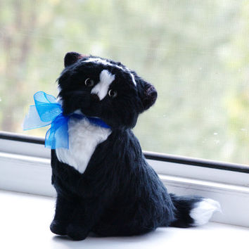 Kawaii Needle felt cat art doll, Needle felt kitten, needle felted cat, Homemade gift, black felted cat, Gift for friends, for grandma