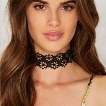 Daisy About You Crochet Lace Choker