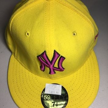 ee856a6d764 NEW YORK YANKEES MLB RETRO NEW ERA 5950 YELLOW HAT PINK NY FITTED HAT
