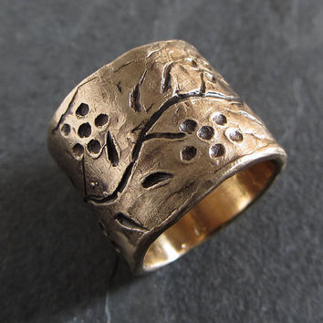 Rustic bronze ring with flower motif // rustic ring / rough ring / designer ring / oxidized ring / wide band ring / artisan jewelry