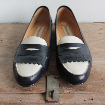 Vintage 80s Navy & White Preppy Penny Loafers | women's 10