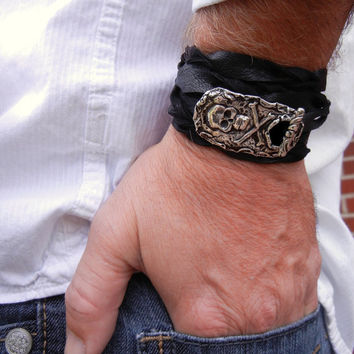 Cool Mens Jewelry, Mens Belt Buckle Wrap Bracelet, Skull & Crossbones Silver and Leather Bracelet, Rustic Jewelry Gift for Him