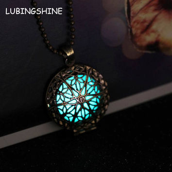 Steampunk Antique Bronze Magic Round Locket Glow In The Dark Pendant Necklace Glowing Luminous Vintage Hollow Necklace JJAL N282