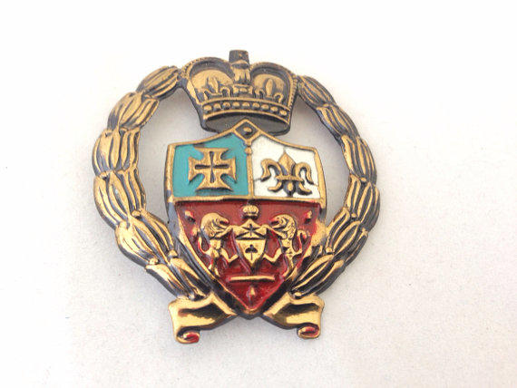 Vintage Coat Of Arms Crest Heraldic From Huntingdragons On