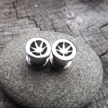 Pot Leaf Plugs Gauges Stretched Earlobe Jewelry Stainless Steel Screw Fit Girly 420 Weed Alternative Medicine Silver Design Inlay Shiny 0g