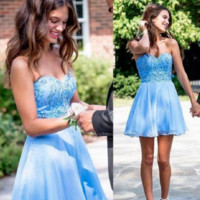 Gorgeous 2017 Short A-Line Homecoming Dresses Blue Tulle Sweetheart Appliques Beaded Off The Shoulder Graduation Dresses