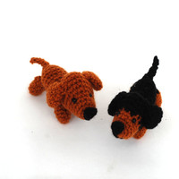 crochet dachshund, tiny stuffed pet, little amigurumi dachshund, tiny pet