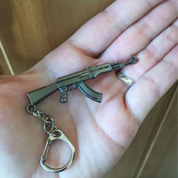 Novelty Counter Strike AK47 Gun Charms Keychain Trinket Llaveros CS GO M16 AWP Rifle Key Chain Ring Men Jewelry Gift Souvenirs