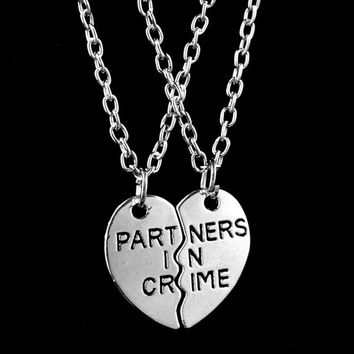 deals] 2015 New Women Fashion Two Peach Hearts Splicing Partners In Crime Necklace Friends Necklace Gift Silver = 5987998913