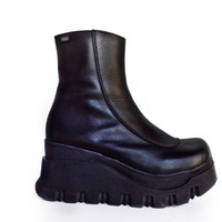 90's Vintage Chunky Black Leather Platform Wedge Boots // 7.5