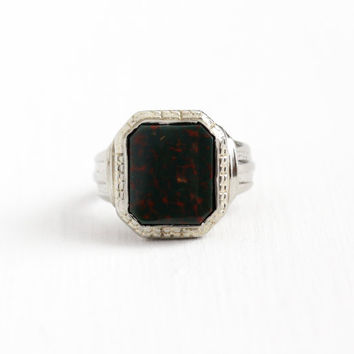 Sale - Vintage Art Deco 10k White Gold Bloodstone Ring - 1930s Size 6 1/4 Geometric Flower Green & Red Gem Patent 1862710 Fine Jewelry