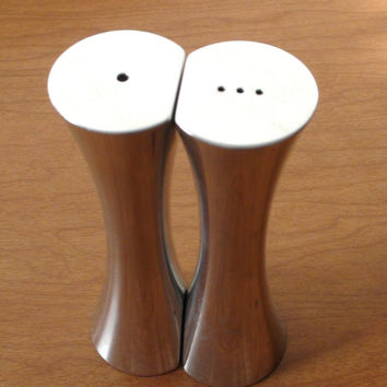 Modern Nambe Studios Kissing Salt and Pepper Shakers