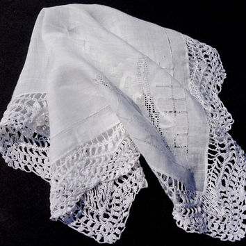 Vintage White Hanky, Embroidered Wedding Hanky, White Lace Handkerchief,Drawn Thread Crocheted Hanky,Bridal Hanky,Solid White on White Hanky