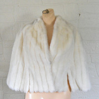 Vintage White Faux Fur Cape Wedding Fur Wrap Faux Fur Capelet Winter Cape Coat Winter Wedding Cape Winter Wedding Cover Up 60s Clothing