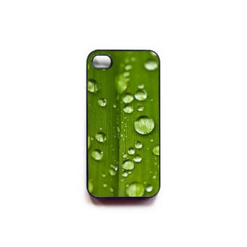 Green iphone 4 case - cell phone accessory - summer case for iPhone - In STOCK - botanic garden rain water photo - minimalist