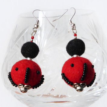 Felt earrings, Red & black felt earrings, felt wool, felted jewelry,handmade,hand felted soft balls,unique jewelry,Eco-Friendly,gift for her